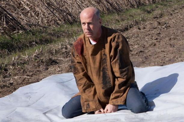 bruce-willis-as-joseph-simmons-in-looper_612x408
